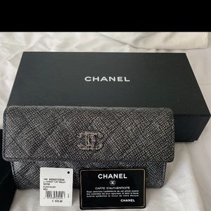 Chanel wallet new with tag